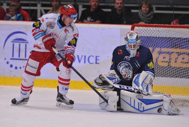 TELH: HC Oceláři - Bílí Tygři Liberec